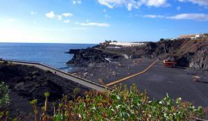 Charco Verde - Strand mit sanfter Brandung im Südwesten